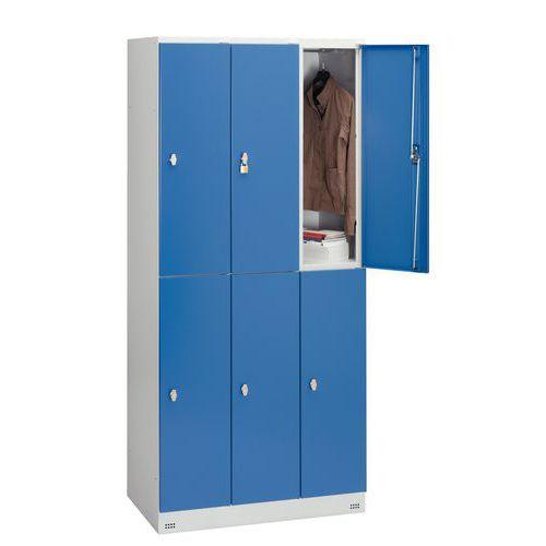 Spind Collectivité mit 6 Fächern und Kleiderabteil – 3 Säulen, Breite 300mm – auf Sockel