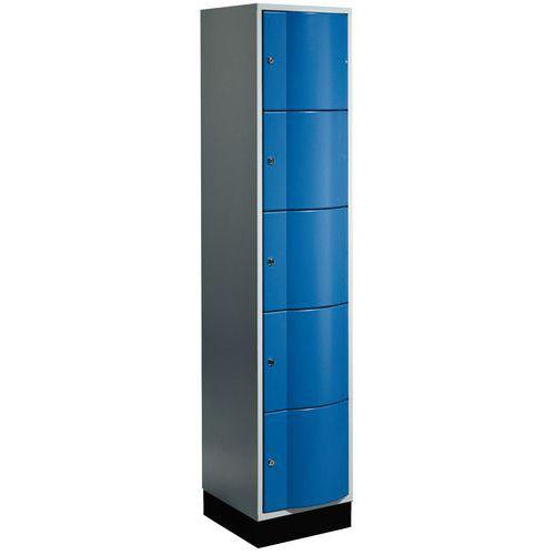 Spind mit 5 Fächern und vandalismussicheren Türen – 1 Säule, Breite 400mm – auf Sockel